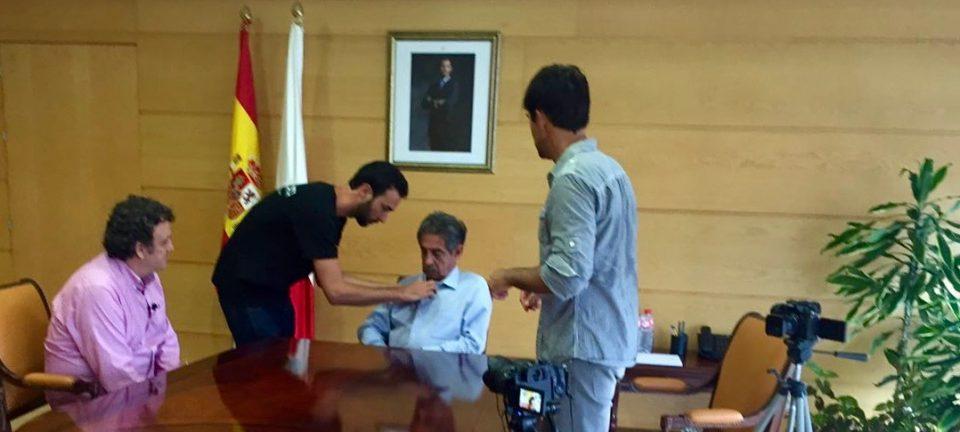 Entrevistando en Goberno de Cantabria a D. Miguel Ángel Revilla, quien nos da su valiente punto de vista sobre las Energías Renovables en España.